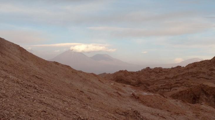 Vulcão Likankabur ao fundo